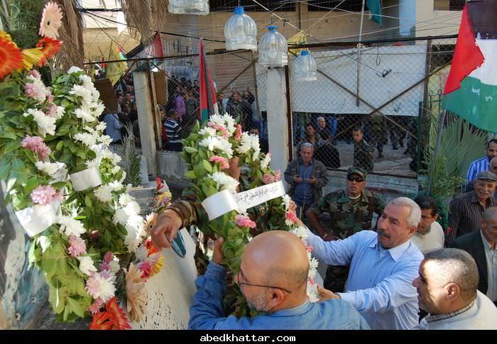 وضع اكاليل على اضرحة الشهداء في البداوي بالذكرى 6 لاستشهاد ابو عمار