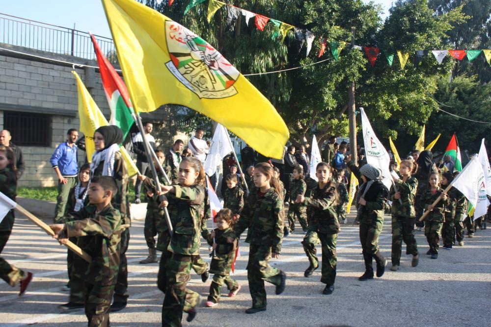 مسيرة لحركة فتح في مخيم البداوي بالذكرى ال 50 لانطلاقتها
