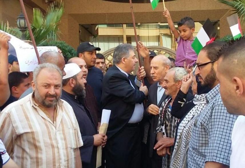 أهالي حي المهجرين في البارد يلتقون دبور للمطالبة بتعويض بدل الأثاث