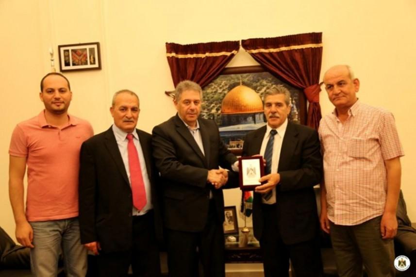 وفد طبي إسباني يلتقي السفير دبور في لبنان