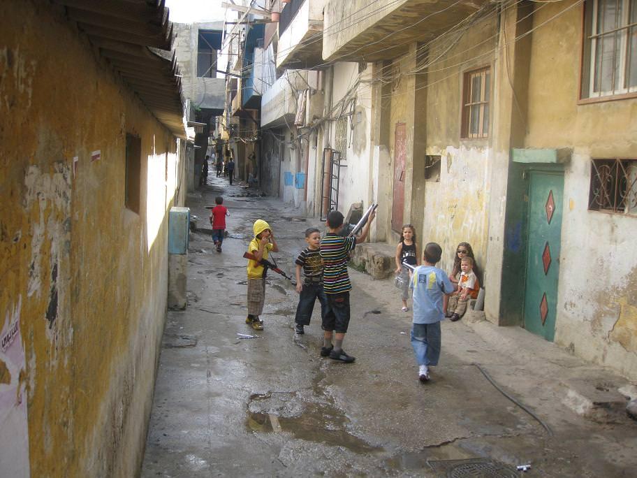 حارة شفاعمرو في مخيم البداوي صبيحة العيد