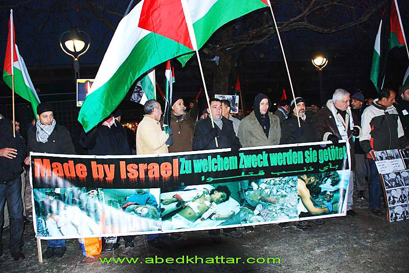 وقفة استصراخ واحتجاج جماهيرية بشموع الحرية في قلب برلين