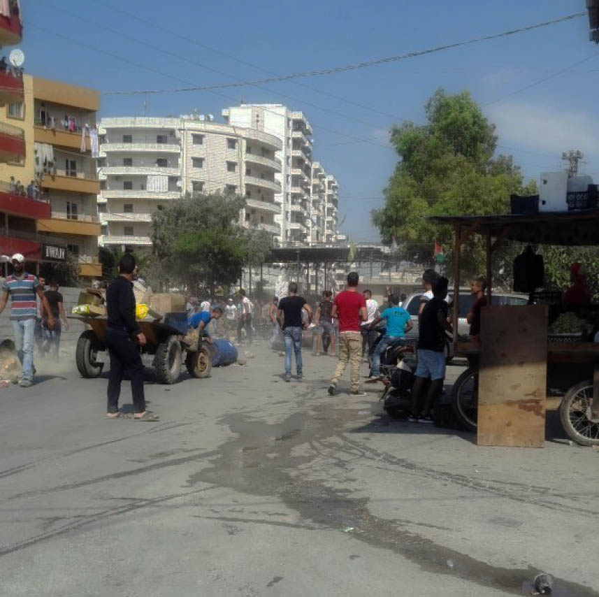 الجيش اللبناني يرفع الحواجز عن مدخل مخيم البداوي