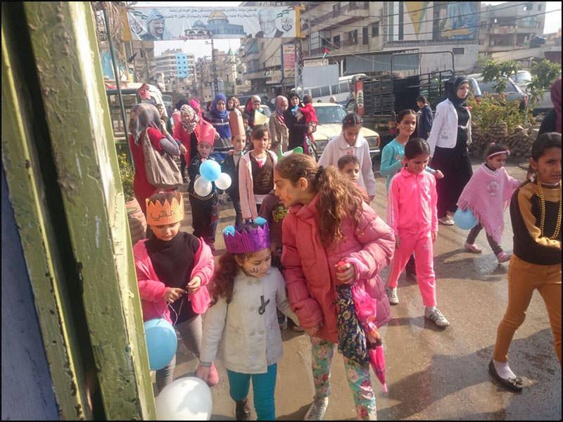مسيره للاطفال بعنوان كفى استغلال للطفوله في مخيم البداوي
