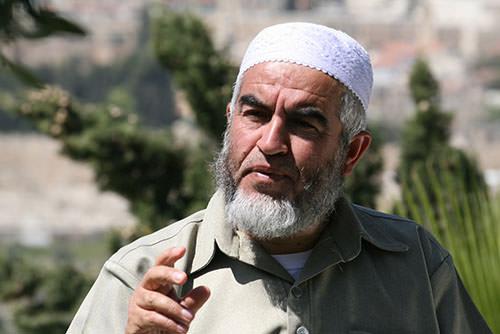 الاحتلال يمدد حظر السفر على الشيخ رائد صلاح