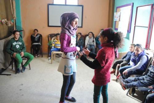 ورش تعليم وتدريب للأطفال في مخيم عين الحلوة
