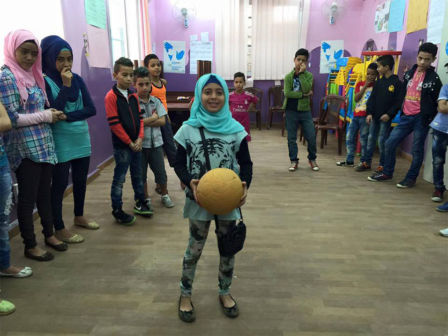 نشاط ترفيهي في المركز التنموي المجتمعي - مخيم البداوي لطلاب المدارس