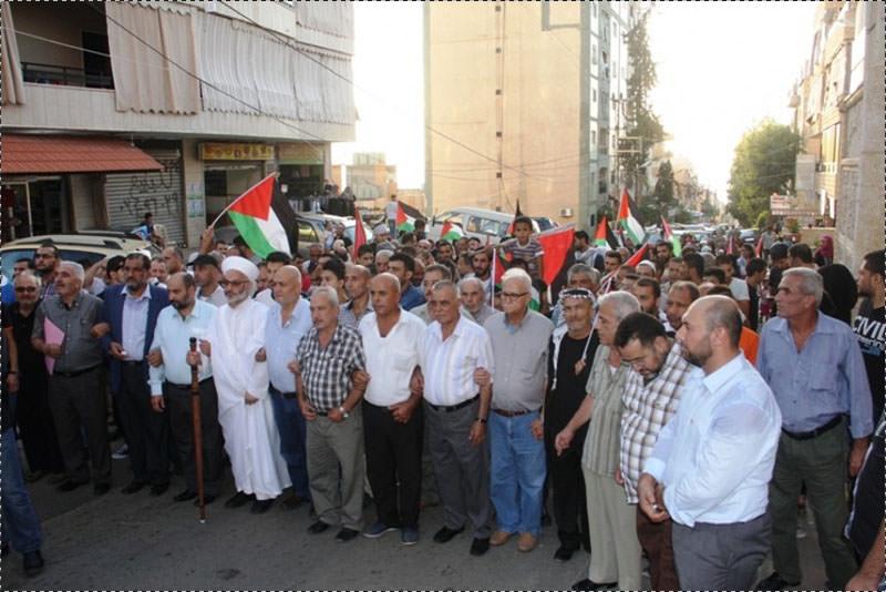أهالي منطقة وادي الزينة يتضامنون مع الانتفاضة الفلسطينية