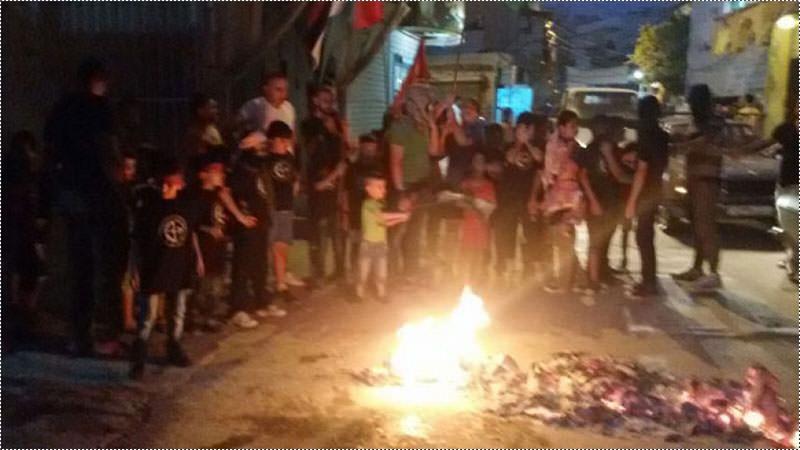 وقفة تضامنية لرابطة الشبيبة الفلسطينية في مخيم عين الحلوة