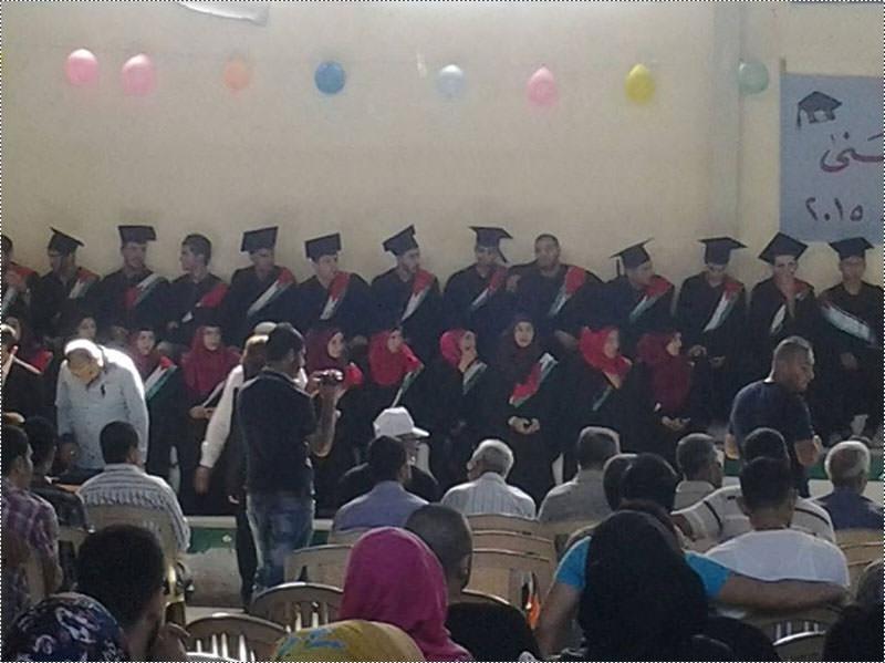 ثانوية الأقصى تحتفل بتكريم طلابها الناجحين بالشهادة الرسمية في مخيم الرشيدية