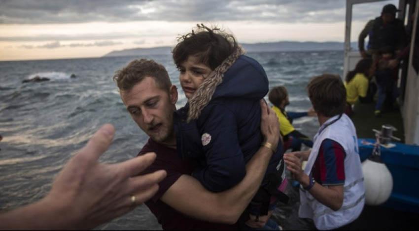 مصرع 10 مهاجرين غرقا قبالة اليونان