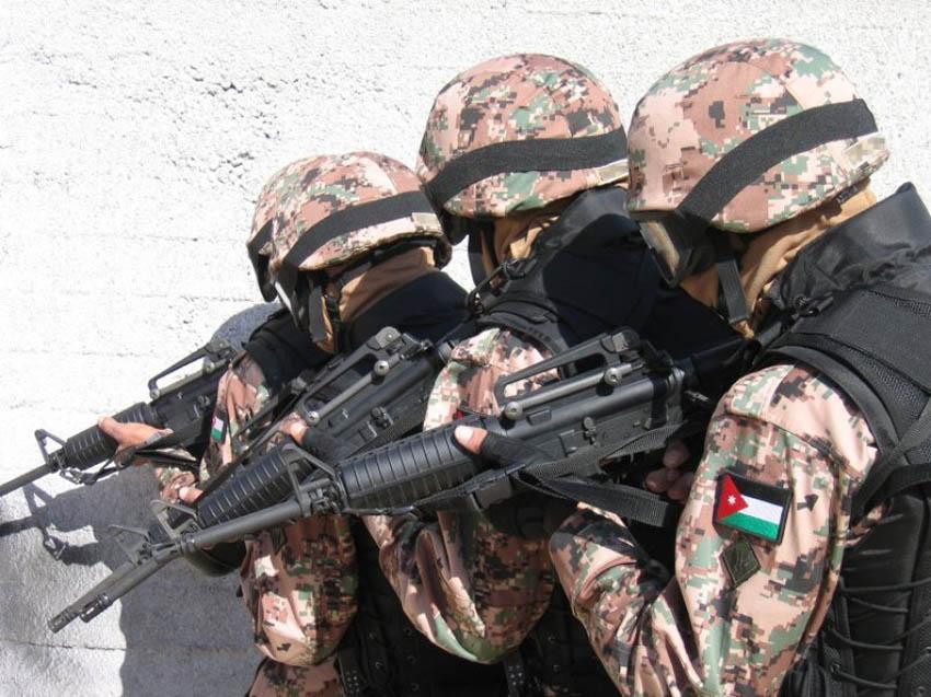 مقتل وأصابة 4 جنود أمريكيين برصاص شرطي أردني في عمّان