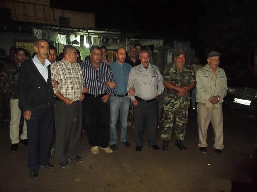 وضع اكاليل على اضرحت الشهداء صبيحة يوم عيد الاضحى المبارك في مخيم البداوي