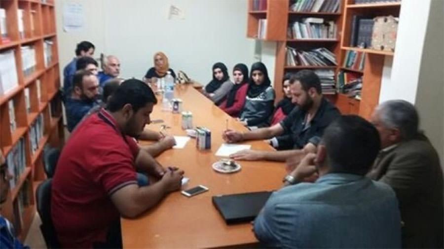 المجتمع المدني واتحاد الموظفين يبحثان قرار دمج الطلاب في مخيم البداوي