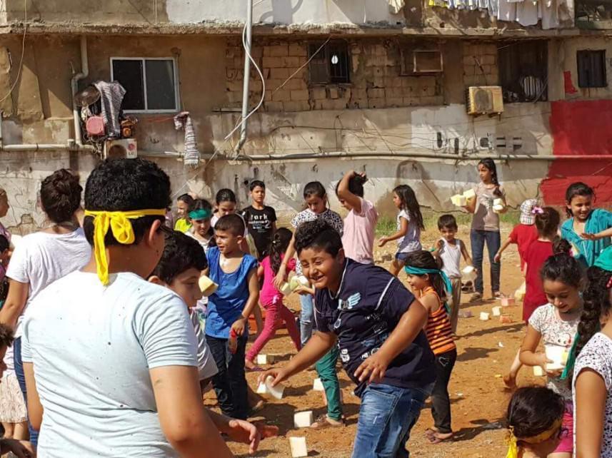 أطفال مخيم مارالياس يحتفلون في العيد العالمي للصداقة