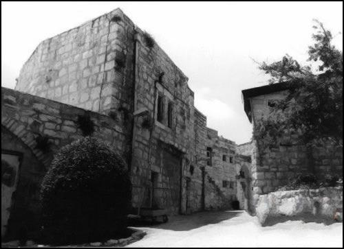 مذبحة دير ياسين    1948-04-09