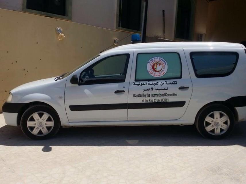 النداء الإنساني تتسلم سيارة إسعاف من الدولية للصليب الأحمر في عين الحلوة