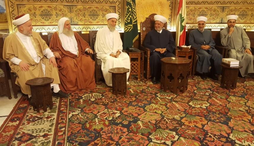 مفتي لبنان يستقبل وفداً من رابطة علماء فلسطين