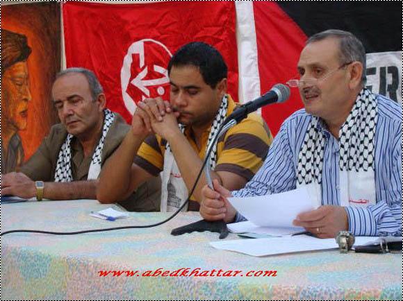 منظمة الشبيبة الفلسطينية تكرم الراحل محمود درويش في مخيم البداوي