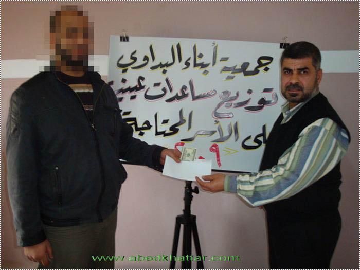 جمعية ابناء البداوي   توزيع مساعدات مالية نقدية للعائلات الفقيرة