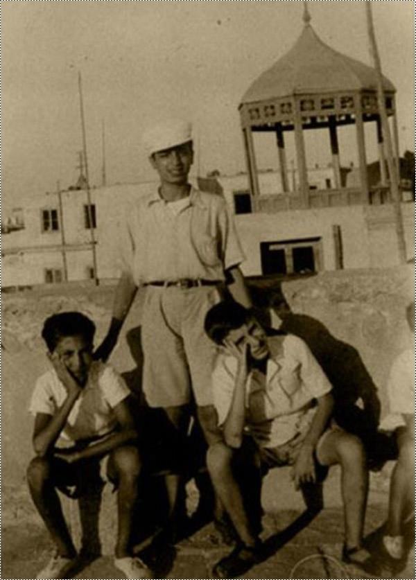 صور نادرة جدا من حياة الشهيد ياسر عرفات