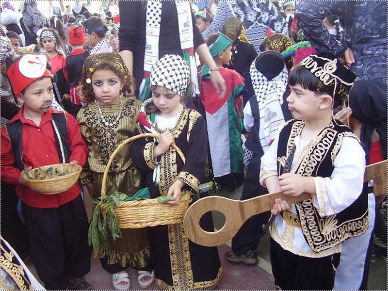 الاطفال في مخيم البداوي في ذكرى النكبة