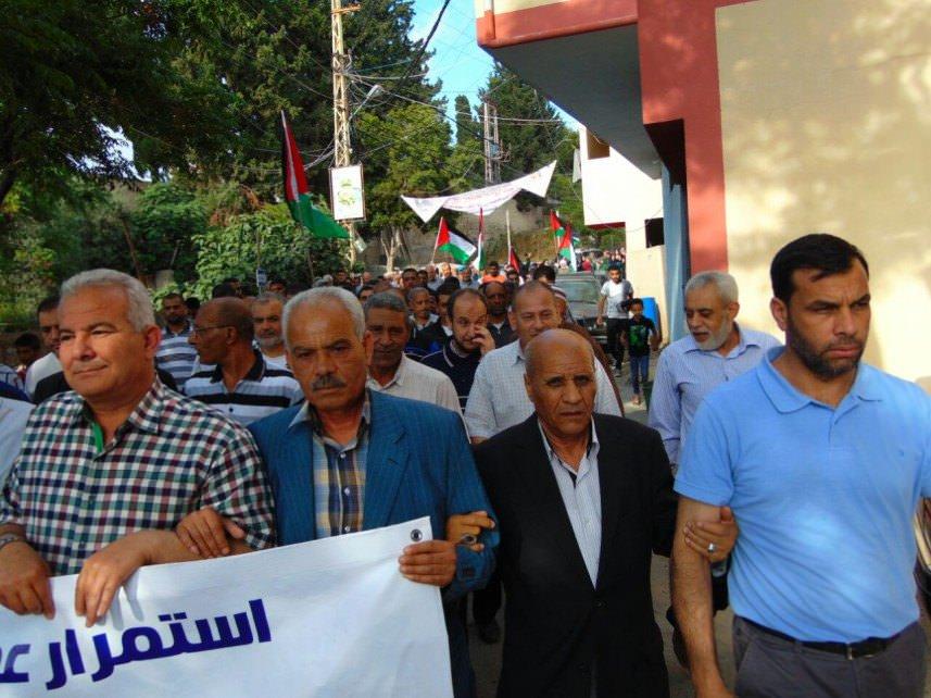 مسيرة في مخيم برج الشمالي احتجاجاً على تقليصات الأونروا
