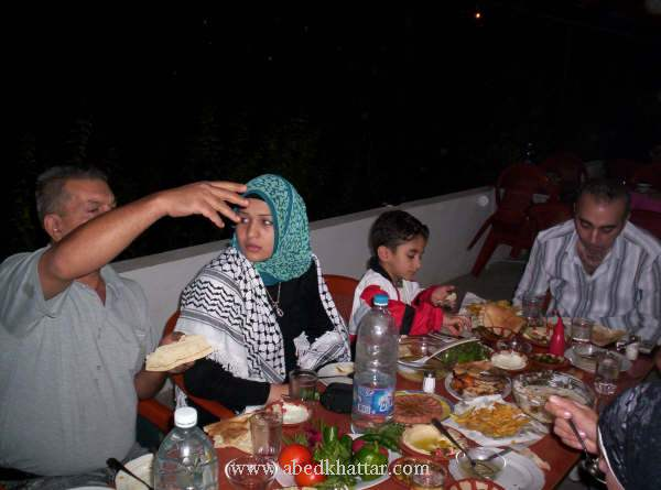 صور افطار فرقة عشاق الاقصى في شهر رمضان المبارك - مخيم البداوي